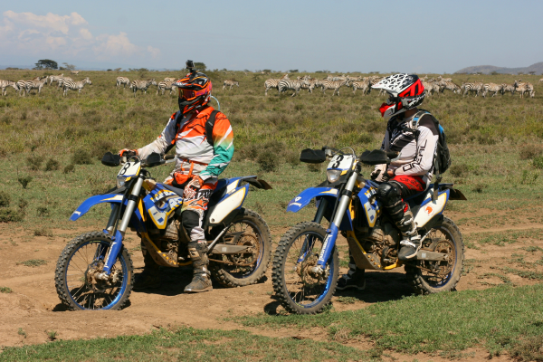 Motorcyclists on Safari
